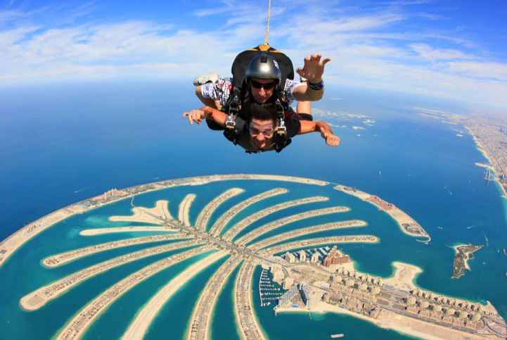 skydive and soar in air